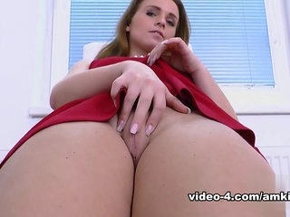 Natalee in Masturbation Movie - AmKingdom