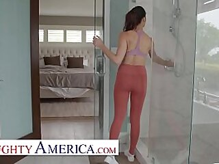 Sam fucks her wife's best side Alexis Zarain the bedroom and the bathroom